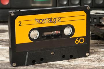Ein Kassettendeck, alte Musik Kassette mit Nostalgie Songs