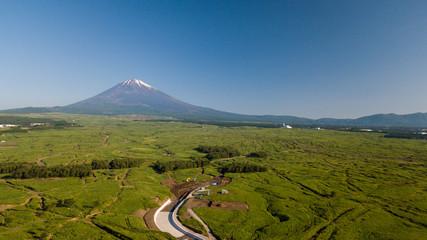 [空撮写真]富士山と青空