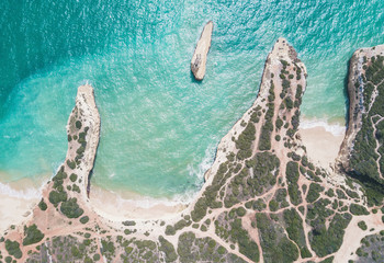 Fototapete - Aerial view of tropical sandy beach and ocean with turquoise water.