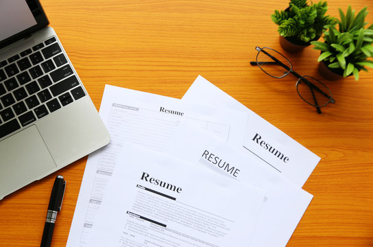 resume on table Office Business