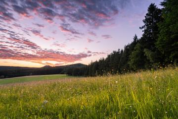 Wall Mural - Sonnenuntergang auf der Passhöhe Heidburg