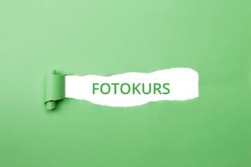 Fotokurs grüner Schriftzug
