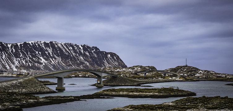 Mosty łączą wyspy Lofotów
