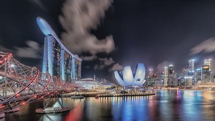 Fototapete - View of Marina Bay at night in Singapore City, Singapore