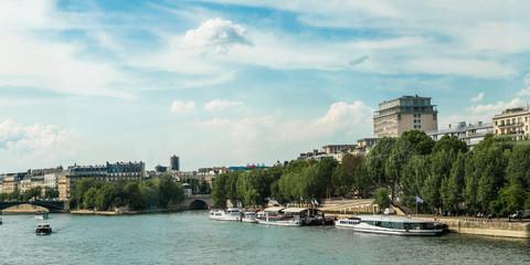 Schiffe am Seine Ufer Paris
