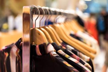 Kleider zum Verkauf