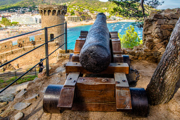 An old cannon at the fortress of Tossa de Mar,Spain  Fototapete