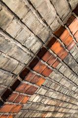 Backsteinmauer mit Vorsprung