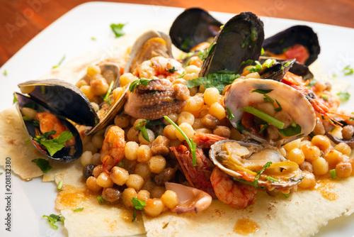 Fregola con frutti di mare, cucina Sarda \