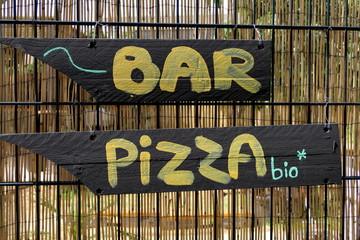 Bar, pizza bio