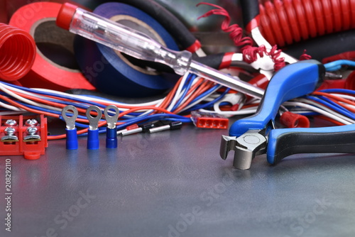 Brilliant Electrical Hand Tools And Accessories Stockfotos Und Lizenzfreie Wiring Cloud Hisonuggs Outletorg