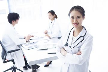 若手女性医師のポートレート