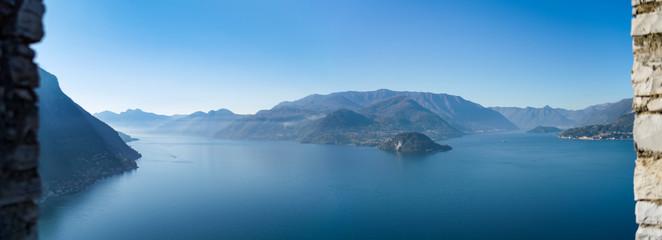 Blick auf die Halbinsel Bellagio am Comer See