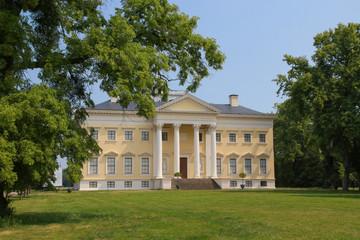 Wörlitzer Park, Schloss
