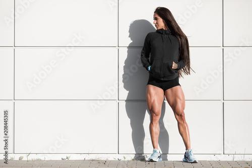 Girls Posing pussy showing