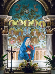Fototapete - Altar dedicated to the Virgin Mary depicted in a colorful mosaic.