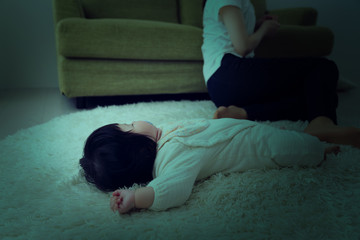 ネグレクト、育児放棄、虐待、疲れる、赤ちゃん、母親、親