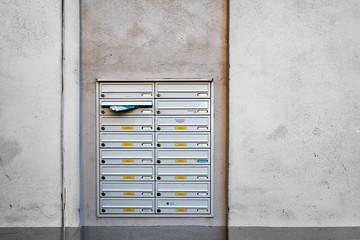 alte Briefkasten-Anlage