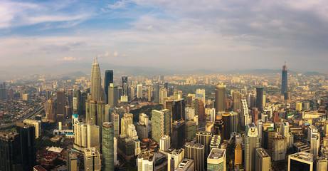 Fototapete - Panoramic aerial view of the Kuala Lumpur skyline
