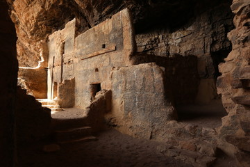 Aluminium Prints Ruins The lower Salado cliff dwelling at Tonto National Monument.