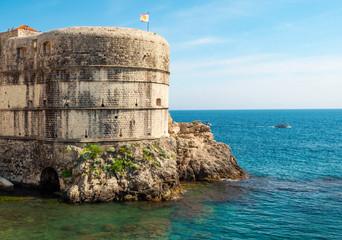 Stadtmauer, festung und Adria, Dubrovnik, Kroatien