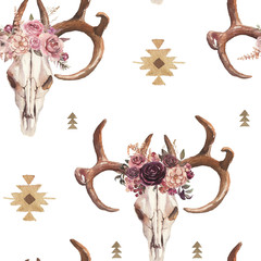 Watercolor boho seamless pattern of deer skull with antlers & floral arrangement on white background. Native american decor, print element, tribal bohemian navajo, Indian, Peru, Aztec wrapping
