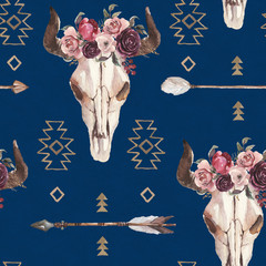 Watercolor boho seamless pattern of arrows, bull skull with horns & floral arrangement on dark blue background. Native american decor, print element, tribal bohemian navajo, Indian Peru Aztec wrapping