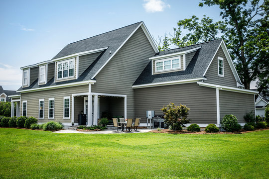 Craftsman Cottage Style Modern Suburban House in Subdivision with Curb Appeal