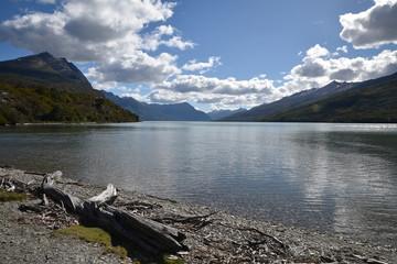 Lac sauvage de la Terre de Feu en Argentine