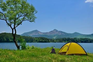 初夏の湖畔・キャンプ
