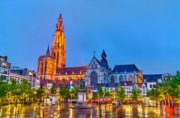 Stores à enrouleur Antwerp The Cathedral of Our Lady in Antwerp. A UNESCO world heritage site in Belgium
