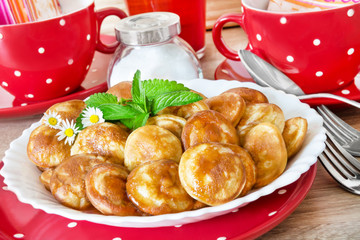 Kleine Pfannkuchen   -   Small  Pancakes