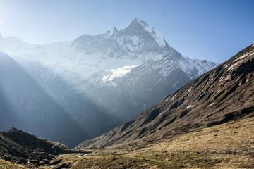 Himalaya Annapurna Sonnenstrahlen Berge Hiking Fluss