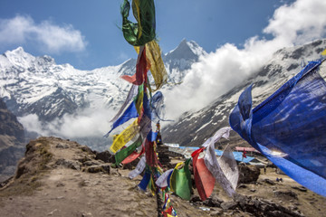 Himalaya Annapurna Sonnenstrahlen Berge Hiking Gebetsfahnen