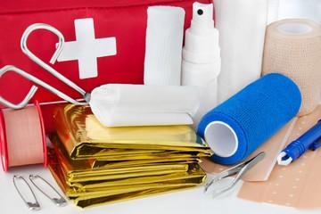 Apotheke   -   Erste Hilfe   -   First Aid