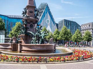Leipziger Augustusplatz mit Mendebrunnen
