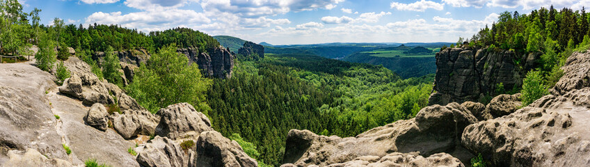 Foto auf AluDibond Gebirge Saxon Switzerland in Germany, as seen from Breite Kluft vantage Point. The Elbe Sandstone Mountains are a famous hiking region in Germany.