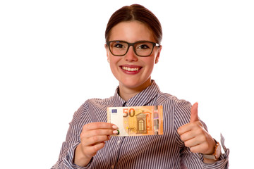 Junge Frau mit 50 Euro