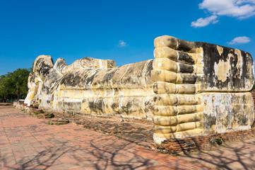 Giant statue of reclining Buddha