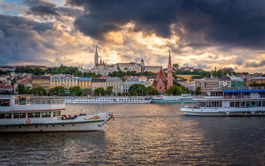 Summer Moments - Matthias Church - Danube