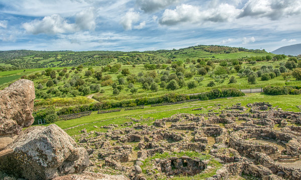 Nuraghe 'Su Nuraxi' in Barumini, Sardinia, Italy. View of archeological nuragic complex of Su Nuraxi di Barumini. UNESCO World Heritage List