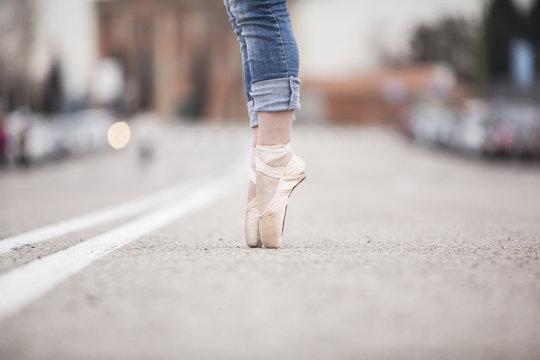woman dancer on ballet tips 07
