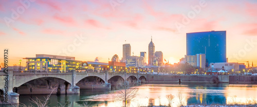 Fotomurales Downtown Indianapolis skyline at twilight