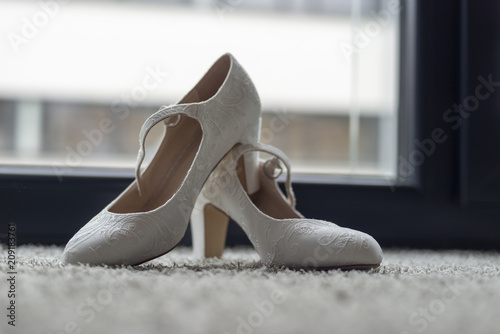 Weisse Edle Hochzeitsschuhe Stock Photo And Royalty Free Images On