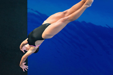 Female armstanding dive