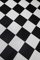 carrelage sol à damiers noir et blanc