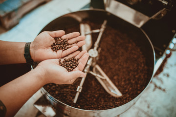 Showing result in hands of professional coffee roasting in Colombia