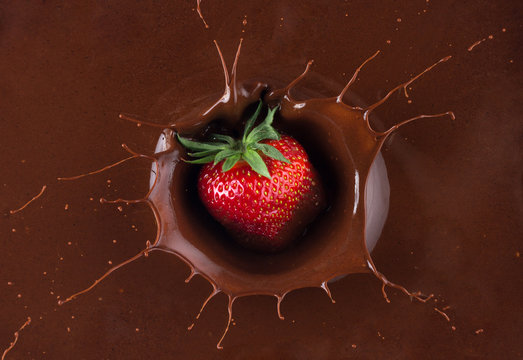 strawberry in chocolate splash