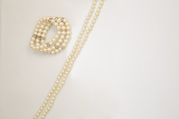 Accessories of pearls