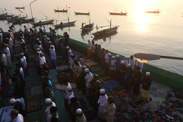 Muslims perform prayers for Eid al-Fitr at Masjid AL-Mabrur, Surabaya